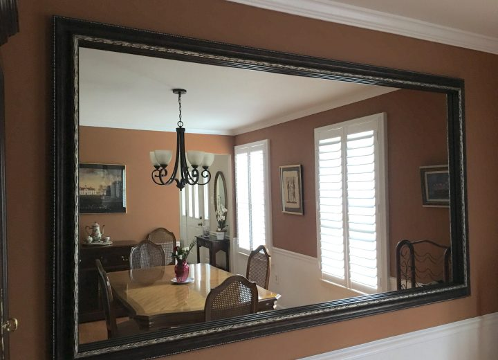 dining room with le flore reverse bronze customer before dining